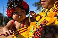 Índios de todas as idades encantam os visitantes