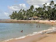 Vista da praia com maré baixa