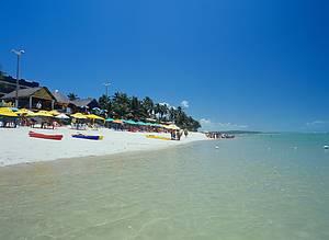 Combinação perfeita: Areia branca e mar transparente<br>
