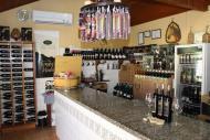 Adega é a primeira atração da Estrada do Vinho