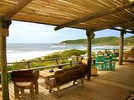 Deck com vista para o canto sul e norte da Praia do Rosa