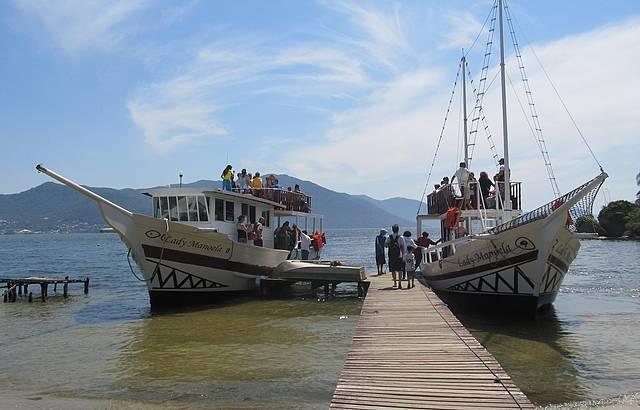 Passeio de Barco pela Lagoa da Conceição Scuna Lady Manoela