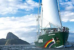 Navio do Greenpeace aberto a visitas no Píer Mauá (RJ)