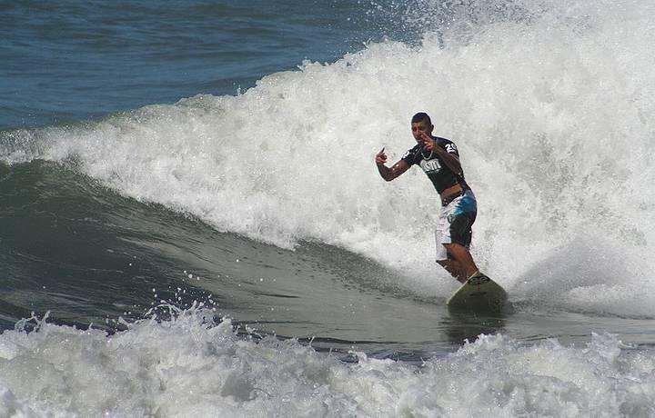 Surf é o esporte oficial de Camburi