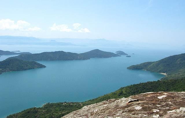 Vista do pico do Mamanguá