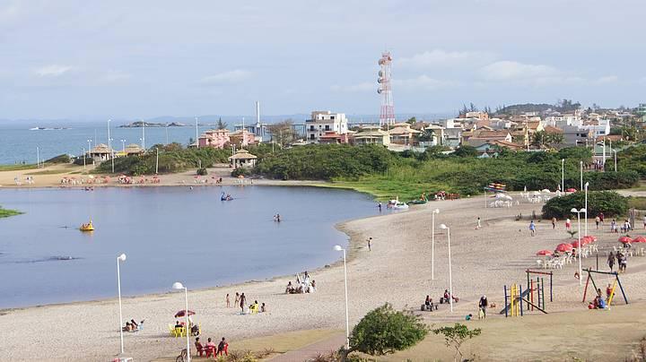 Do Mirante você Tem uma Vita Privilegiada da Lagoa. E ao fundo a Praia da Costa