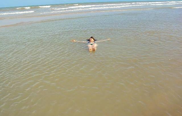 O Mar Forma Piscinas de Águas Mornas,delícia !