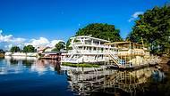 Barcos são usados até como hospedarias