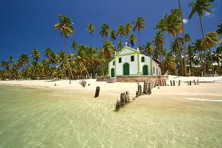 48 horas em Calhetas & Carneiros (PE) - Igrejinha à beira mar é cartão-postal!