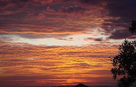 Conceição do Ibitipoca - Nascer do Sol na serrinha que leva até Ibiti.Coisa mais linda!