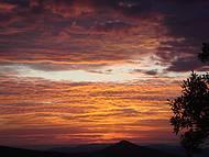 Nascer do Sol na serrinha que leva até Ibiti.Coisa mais linda!