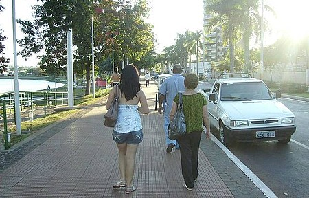 Av. Beria Rio - Calçadão.