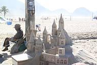 Arte na areia.. Merecem todo o crédito pelas lindas obras