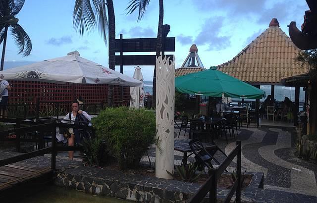 Restaurante de frente para o mar