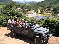 Passeio de Jeep no cafezal - Vale do Ouro Verde