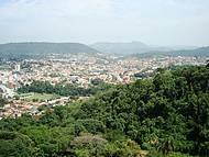 Vista da Cidade,rodeada por Morros