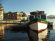 Barco de linha em Paranaguá