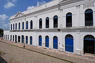 Prédio da antiga Alfândega abriga museu