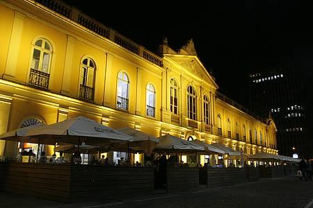 Mercado Público - Espaço tem movimento dia e noite