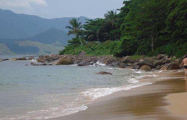 Praia linda e muito movimentada