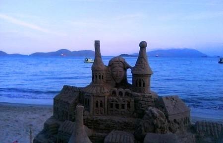 Muriqui - Escultura de areia.