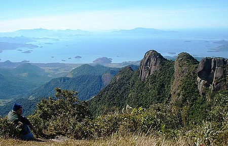 Parque Nacional da Serra da Bocaina - Do alto da serra, vista para a praia