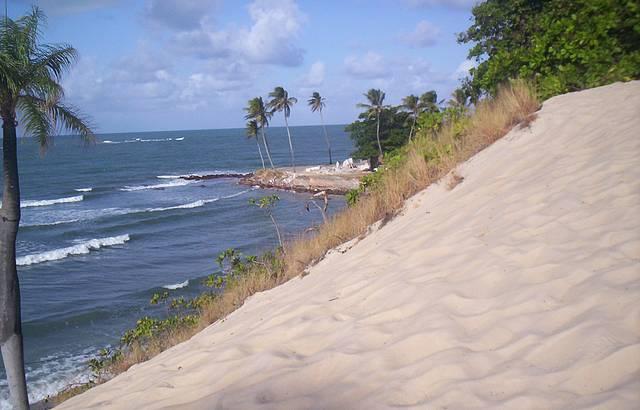 Dunas de areia. Final da tarde.
