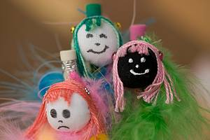 Bonecas de pano: Singelos souvenirs são encontrados na Casa do Artesanato -
