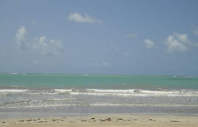 Mar calmo, de águas quentes