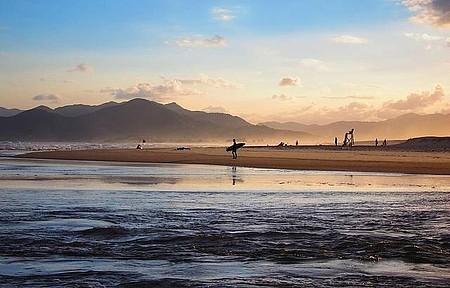 Surfista e o mar