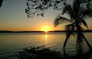 Praia da Costa: É a mais concorrida e fica na Ilha de Atalaia -