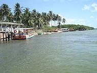 Travessia de barco até a praia