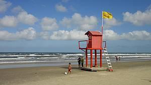 Na baixa temporada: Praias ficam tranquilas quando termina o verão -