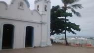 Igreja de São Francisco de Assis e mar ao fundo