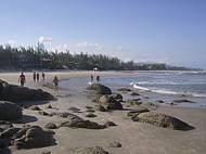 Água Ótima para surfistas e um Riacho para Crianças.