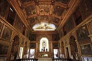 Estilo barroco predomina em toda a construção
