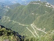 20km de Estrada Sinuosa, Quase 2000m de Altitude