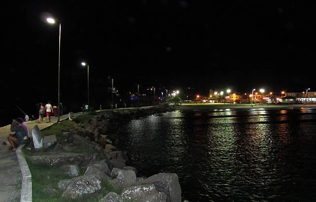 Canal Barra da Lagoa, vista noturna