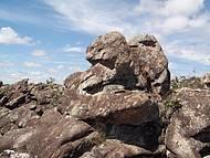 Encontra-Se Belas Formações Rochosas