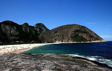Itacoatiara - Praia é considerada uma das mais bonitas do estado