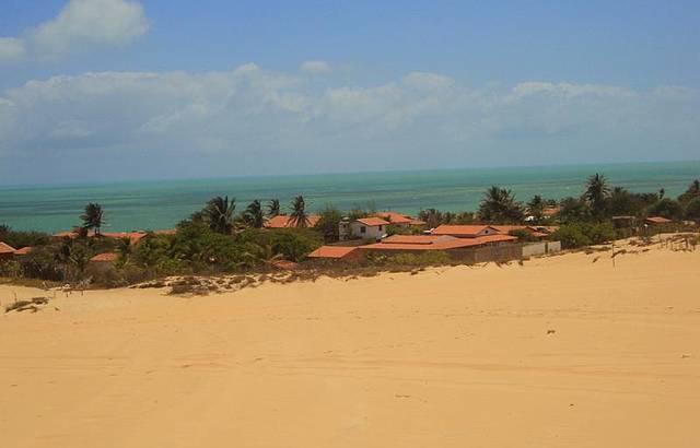 Vista linda com duna e mar...!!!