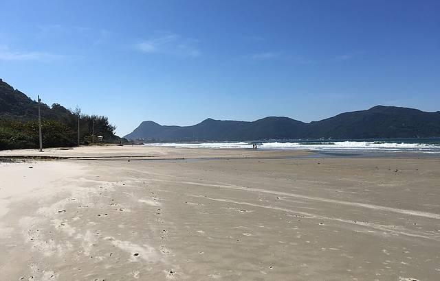 Dias de Semana Praia Quase Deserta