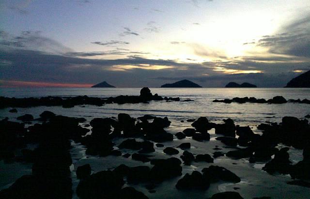 Por do sol : do canto, vista das ilhas