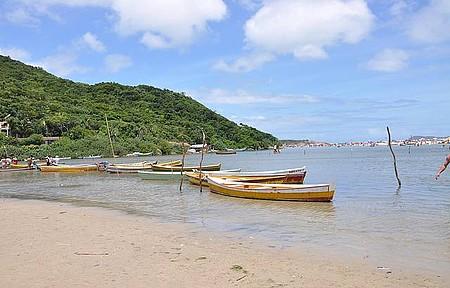 Canoas na Guarda do Embaú