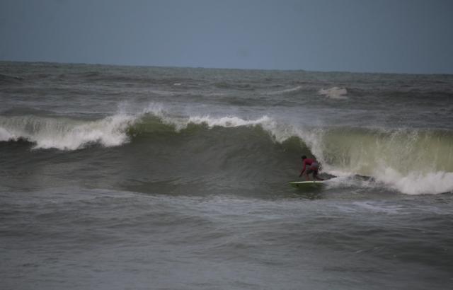 Surf Ondas Grandes em Maracaipe