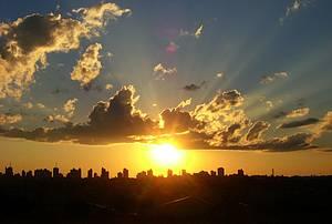 Espetáculo: Pôr do sol  encanta moradores e turistas<br>