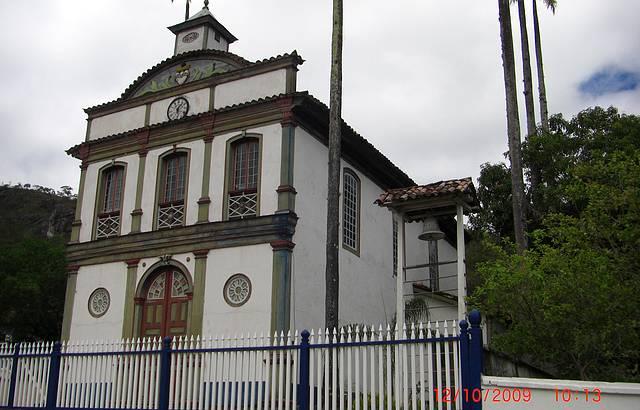 Igreja local. Uma bela construção.