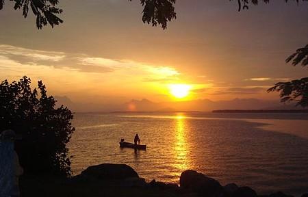 Litoral Paranaense - Um belíssimo pôr do sol de uma tarde de inverno