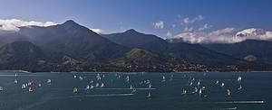 Ilhabela: Competição reúne milhares de velejadores<br>