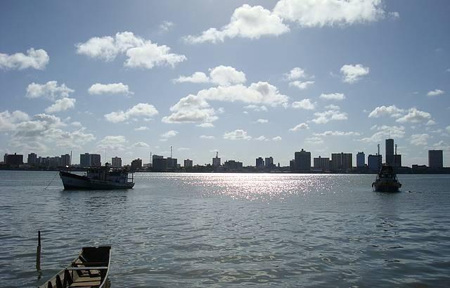 Vista da cidade de Aracaju. Foto feita da praia de Atalaia.